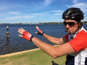 David führte uns ganz privat mit dem Rad durch Perth und Freo (Fremantle). ER sprach auch beim Radeln durchs Mikro, wir trugen jeweils einen Knopf im Ohr.